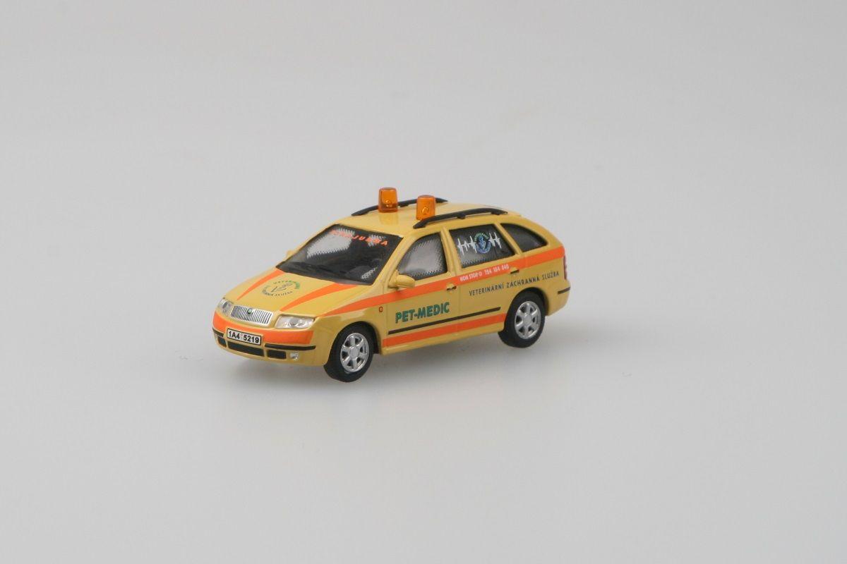 Škoda Fabia Combi (2000) 1:72 - Pet Medic