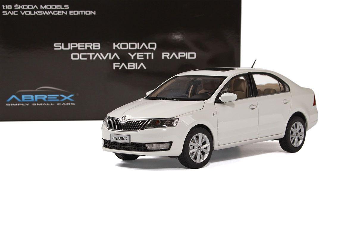 Škoda Rapid (2012) 1:18 - Bílá