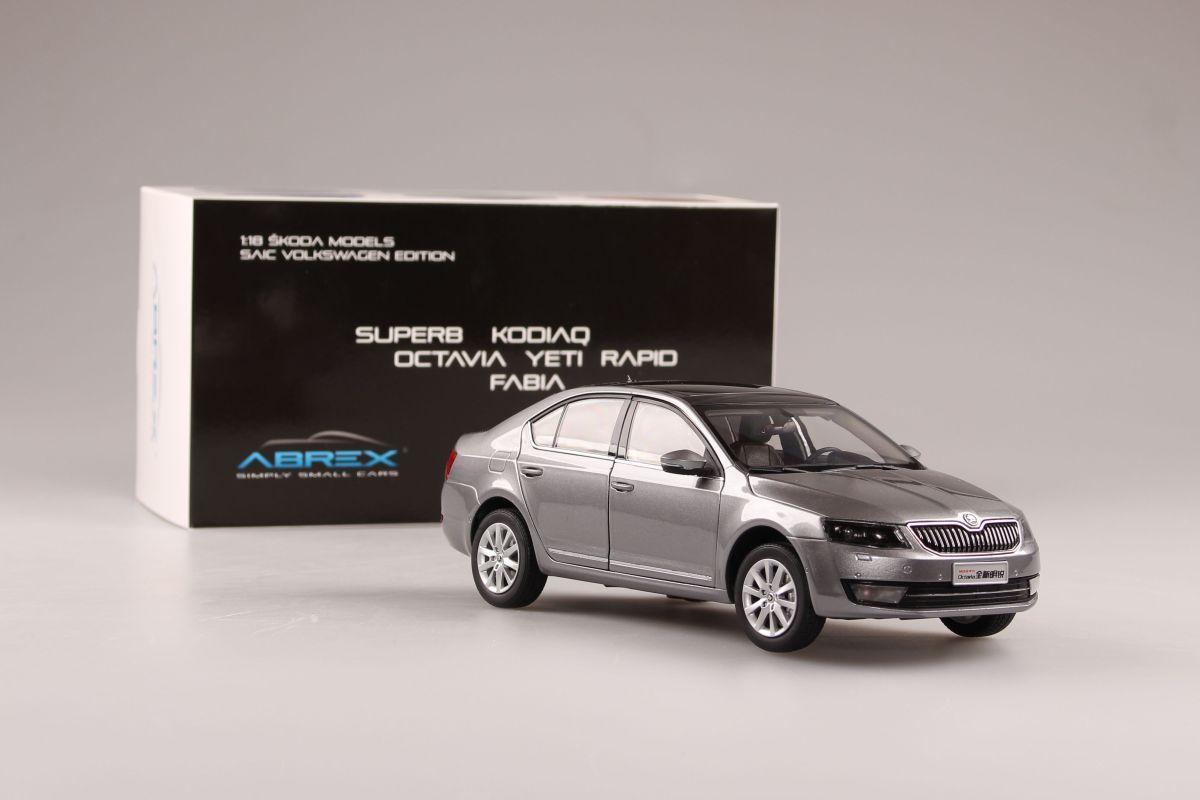 Škoda Octavia III (2014) 1:18 - Šedá Metalíza