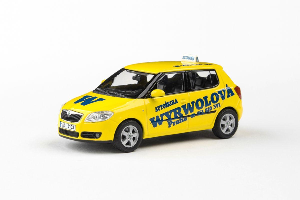 Kovový model Škoda Fabia II - pohled zepředu