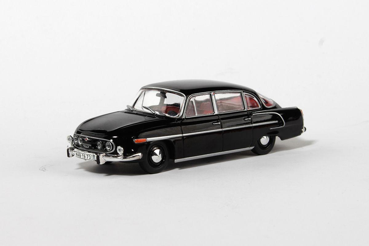 Tatra 603 (1969) 1:43 - Černá - Červený Interiér