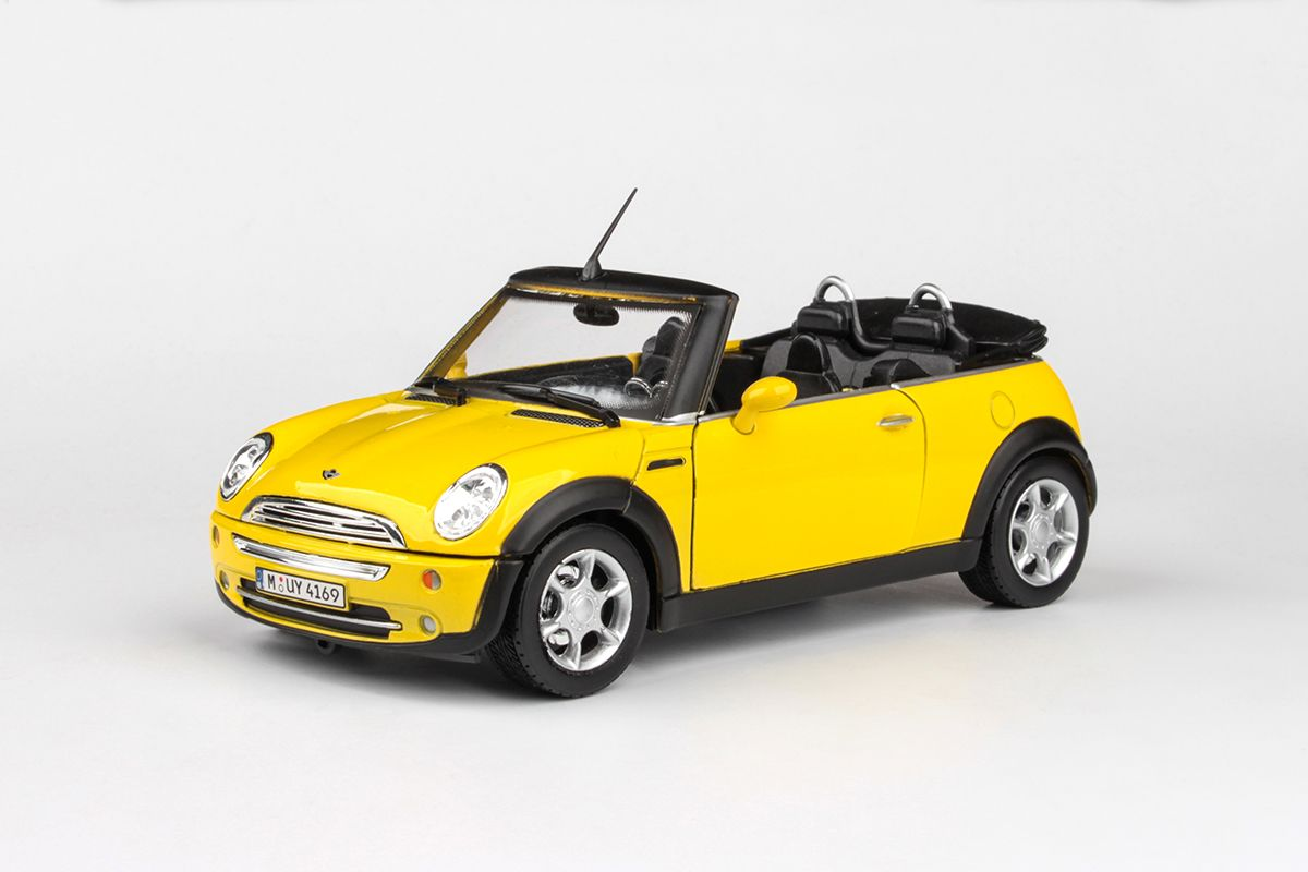 Abrex Cararama 1:24 - New Mini - Yellow