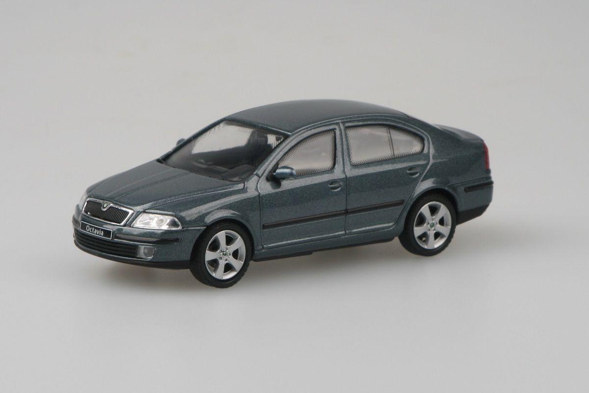 Škoda Octavia II (2004) 1:43 - Šedá Graphite Metalíza