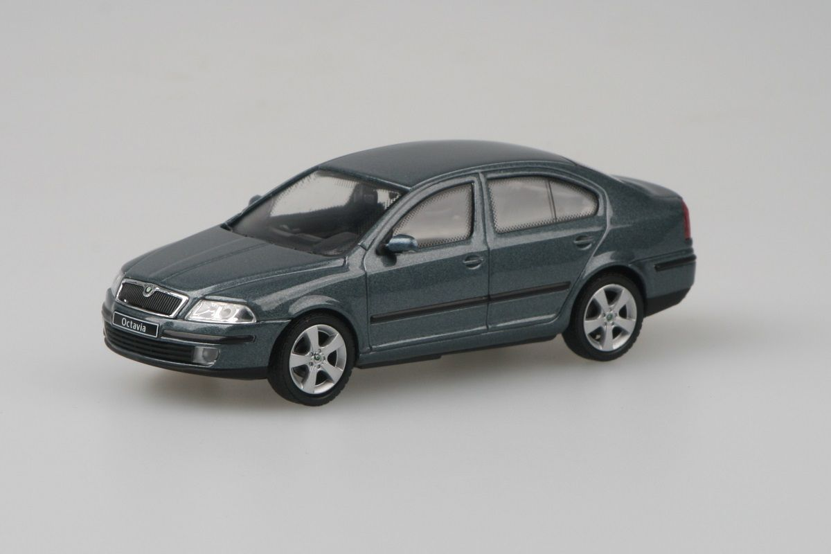 Kovový model auta Škoda Octavia II - šedá graphite metalíza
