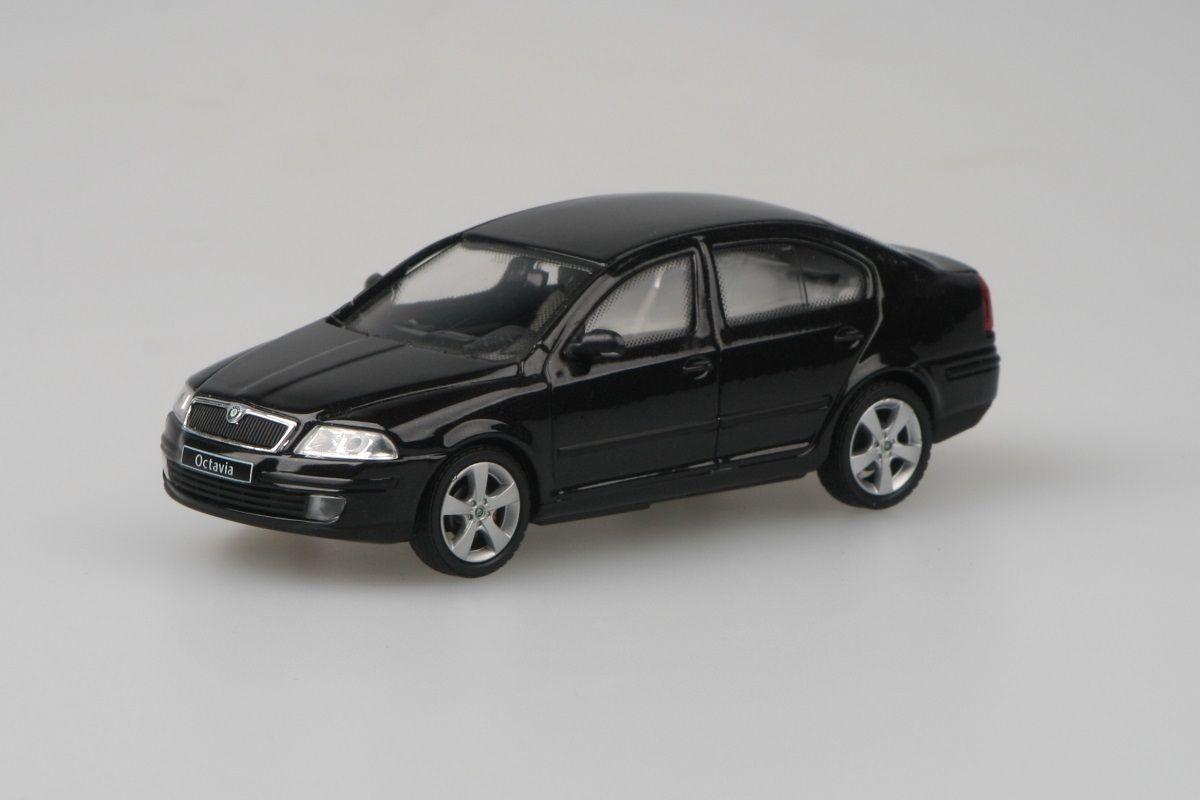 Škoda Octavia II (2004) 1:43 - Černá Magic Metalíza