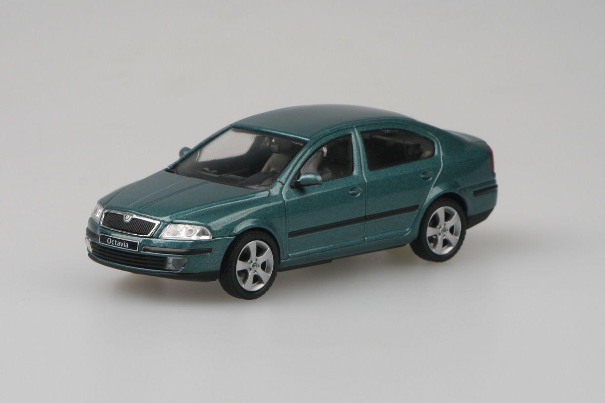 Kovový model Škoda Octavia II - zelená island metalíza