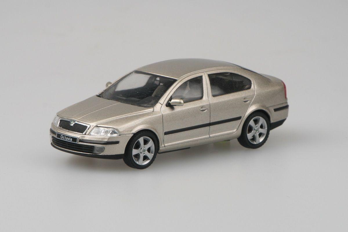 Kovový model Škoda Octavia II - béžová sahara metalíza