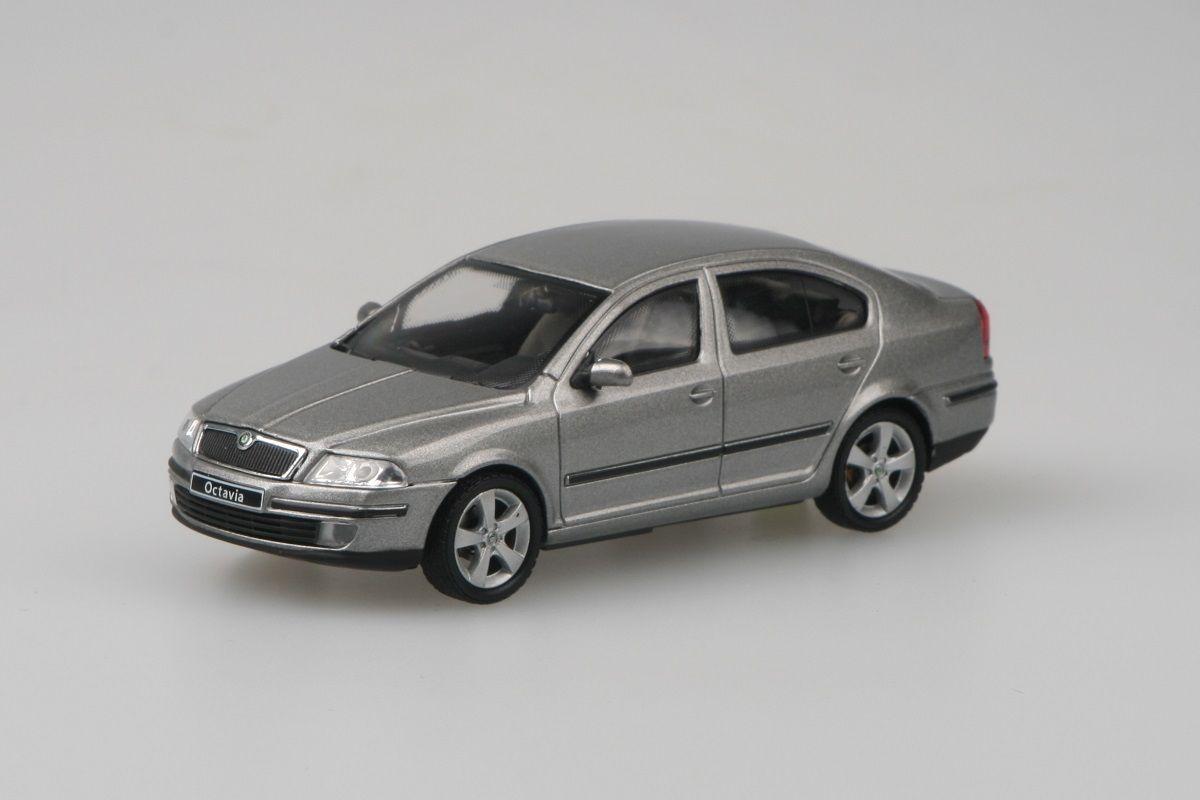 Škoda Octavia II (2004) 1:43 - Béžová Cappuccino Metalíza