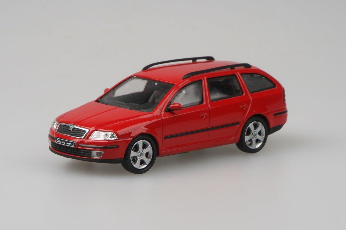 Škoda Octavia II Combi (2004) 1:43 - Červená Corrida Uni