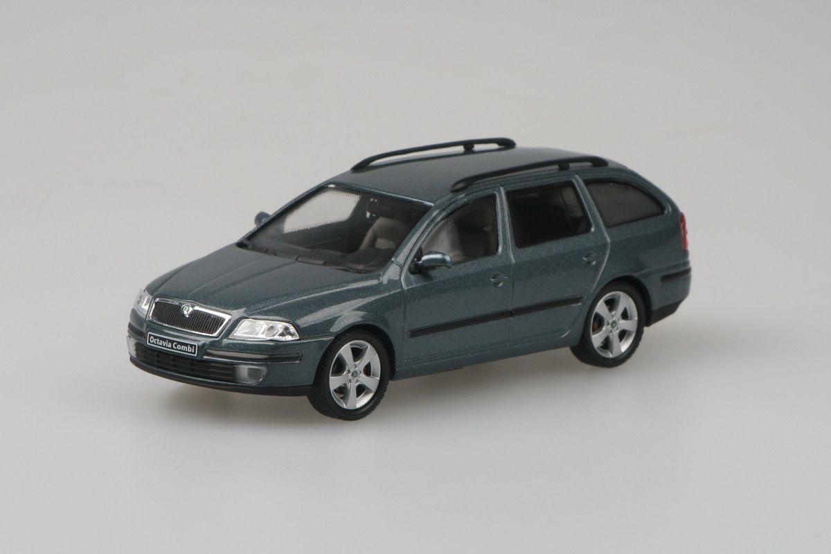 Škoda Octavia II Combi (2004) 1:43 - Šedá Graphite Metalíza