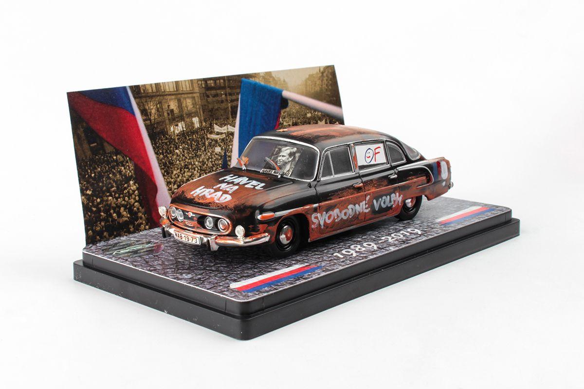 Tatra 603 (1969) 1:43 - 30.výročí 17.listopadu 1989