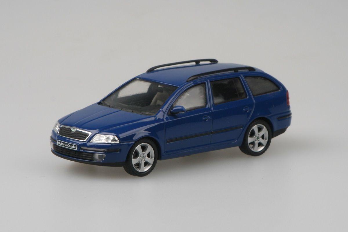 Škoda Octavia II Combi (2004) 1:43 - Modrá Dynamic Uni