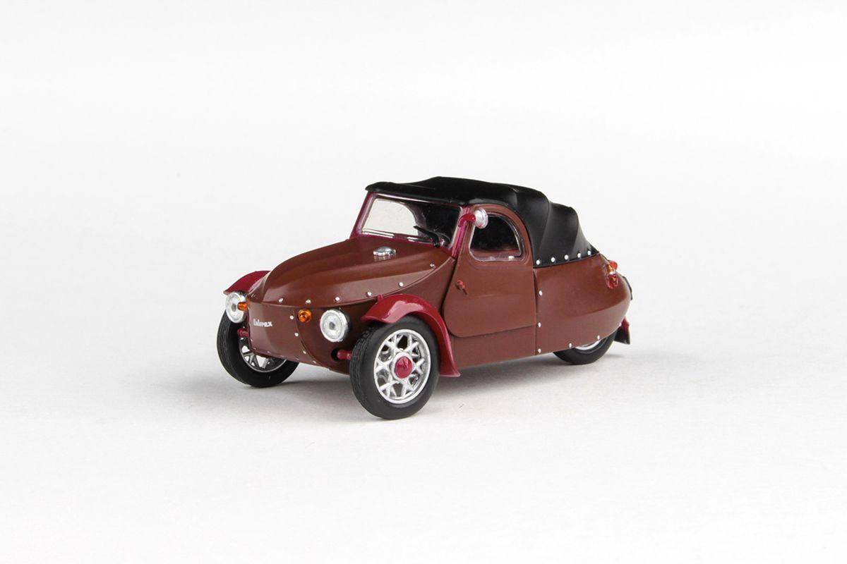 Kovový model automobilu Velorex 16/350 - pohled zepředu