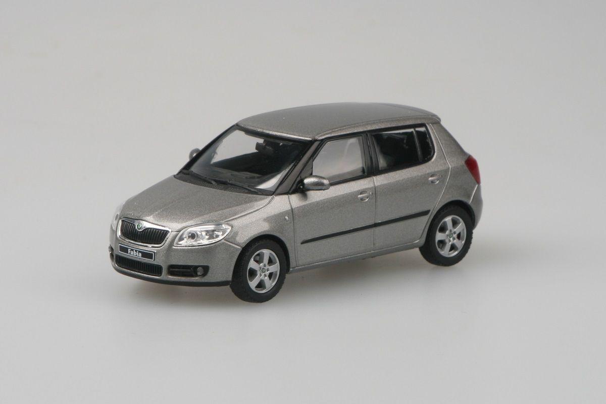Škoda Fabia II (2006) 1:43 - Béžová Cappuccino Metalíza