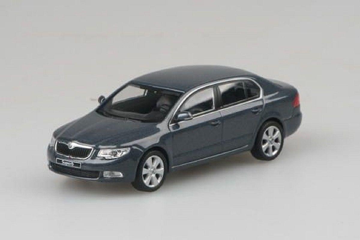 Škoda Superb II (2008) 1:43 - Šedá Anthracite Metalíza