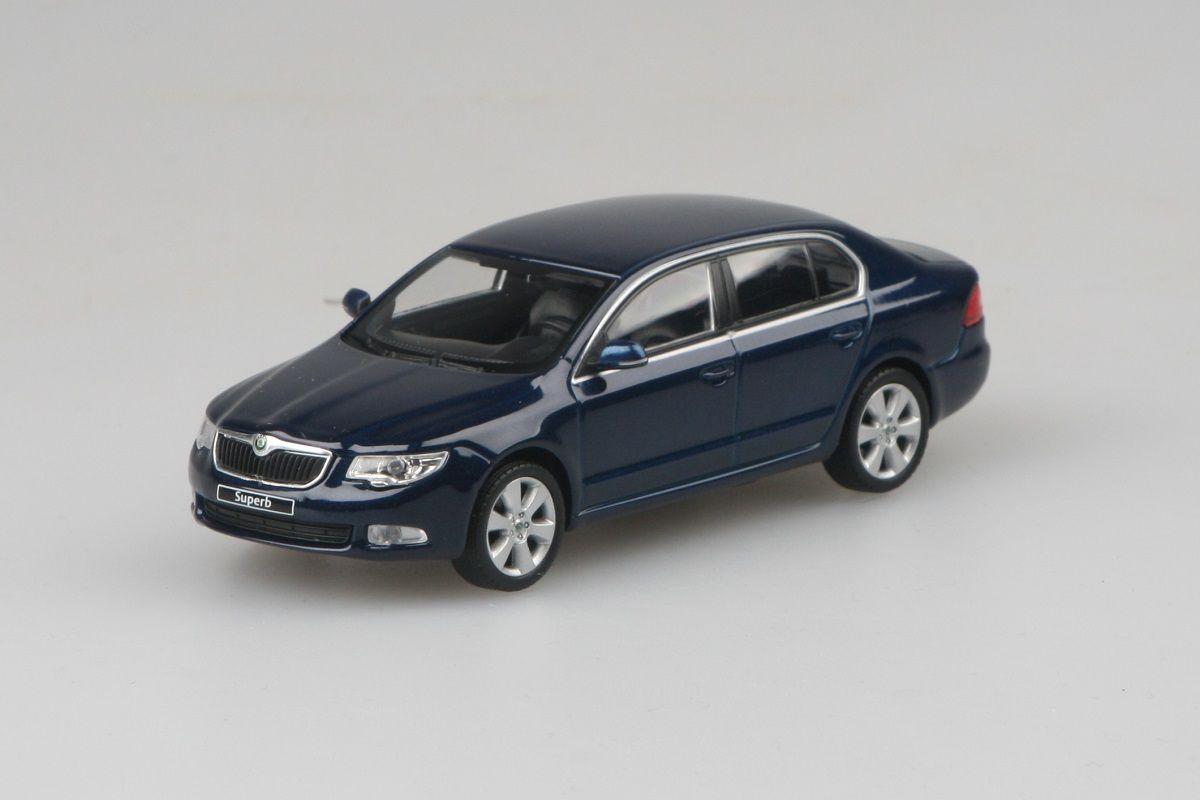 Škoda Superb II (2008) 1:43 - Modrá Pacific Uni