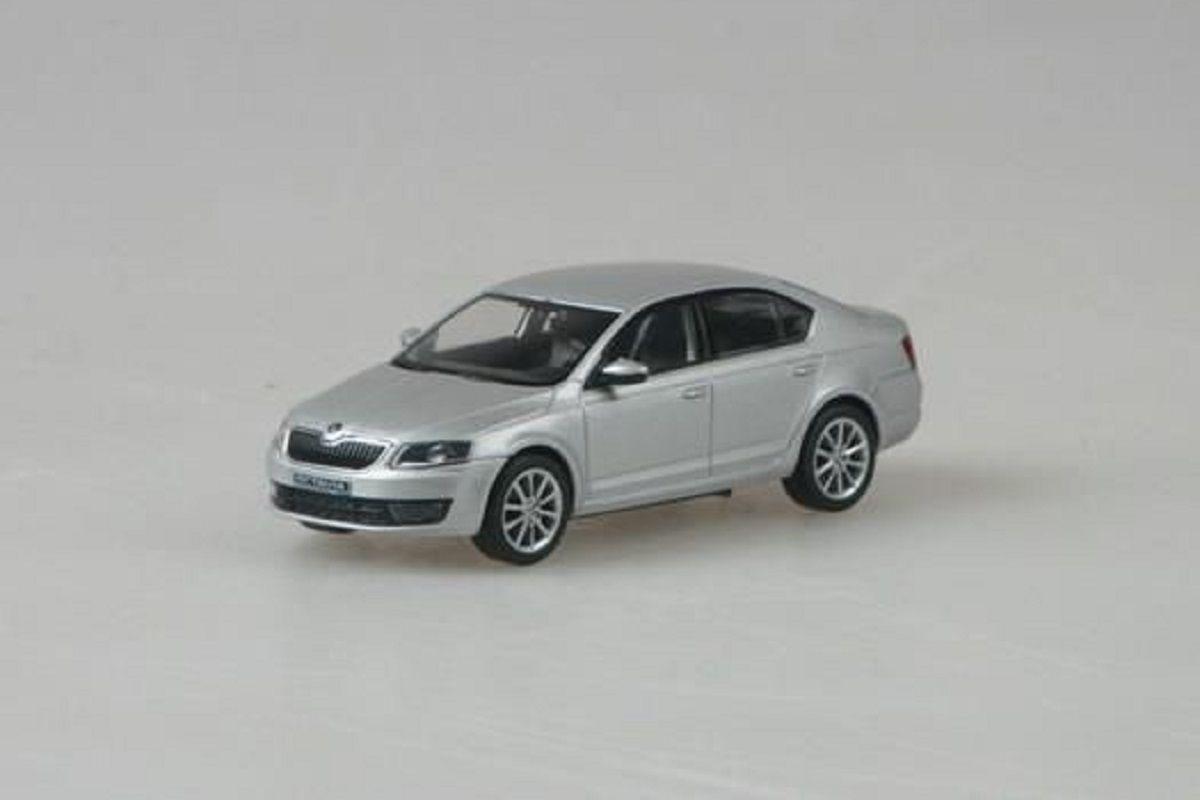 Škoda Octavia III (2012) 1:43 - Stříbrná Brilliant Metalíza