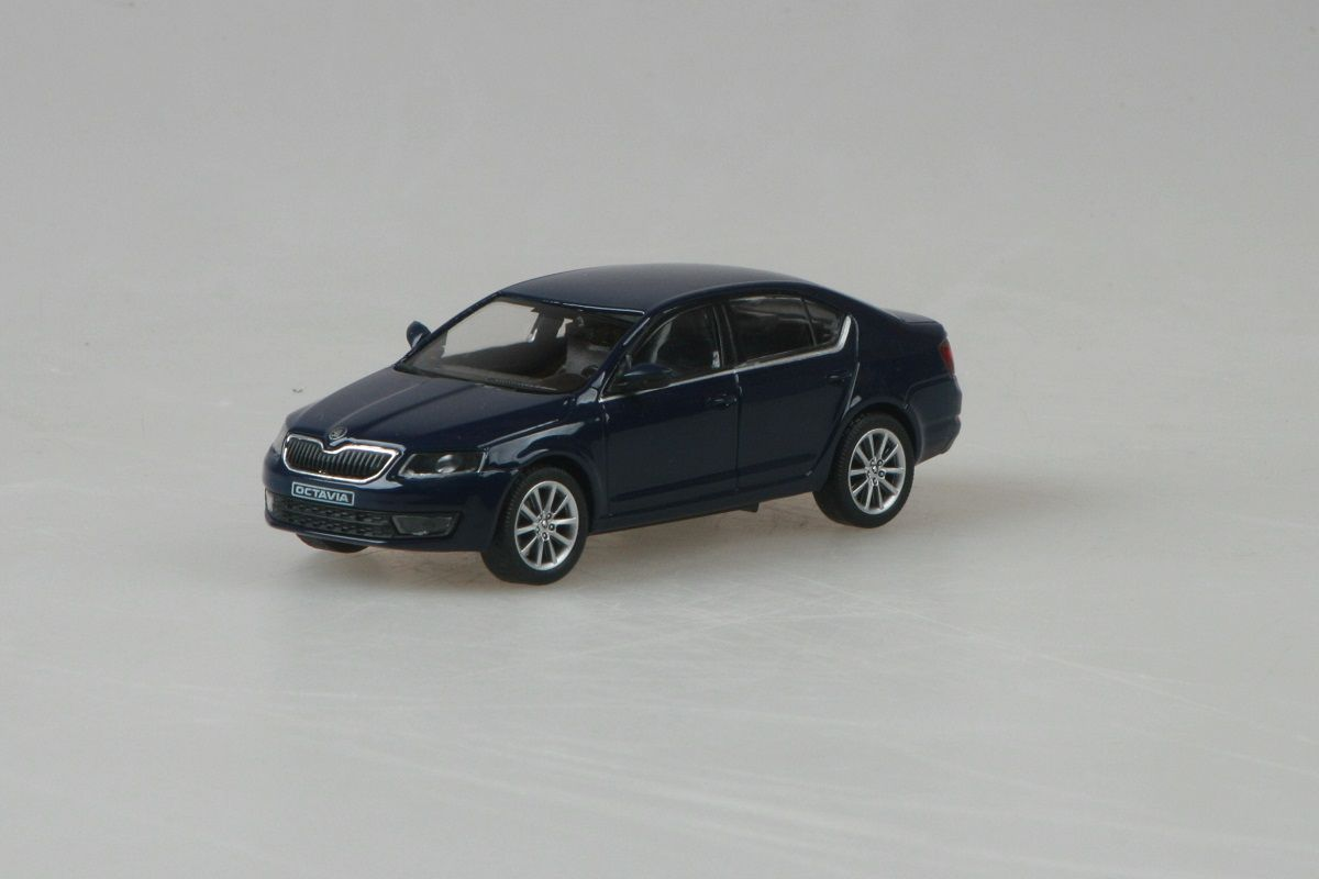 Kovový model Škoda Octavia III - modrá pacific uni