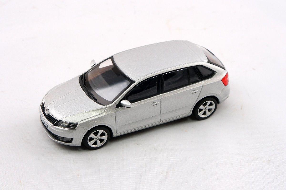 Kovový model Škoda Rapid Spaceback - stříbrná brilliant metalíza