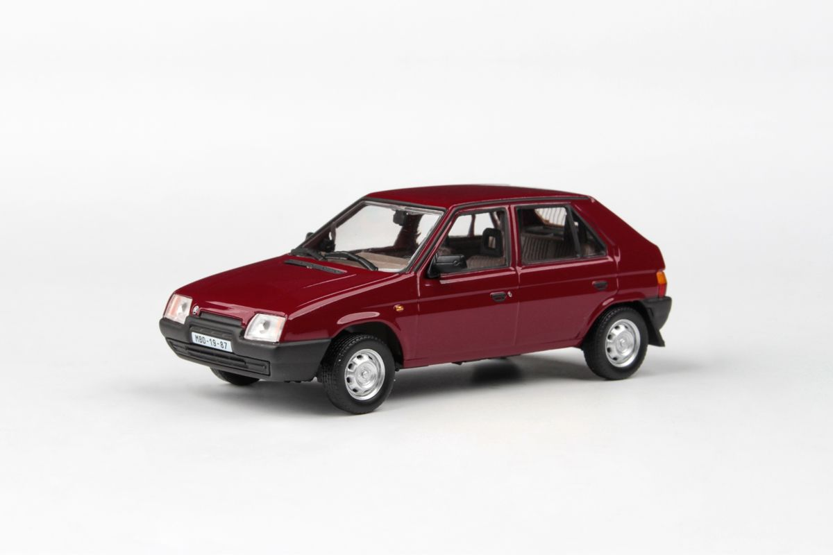 Škoda Favorit 136L (1988) 1:43 - Červená Apollo
