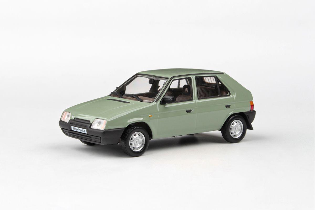 Kovový model Škoda Favorit 136L - Zelená topolová